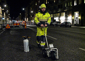Measurement with VTI:s Portabel friction tester (PFT). Photo: Mats Gustafsson