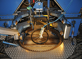 Image of VTI stationary tyre test facility, rigged with a bicycle tyre.