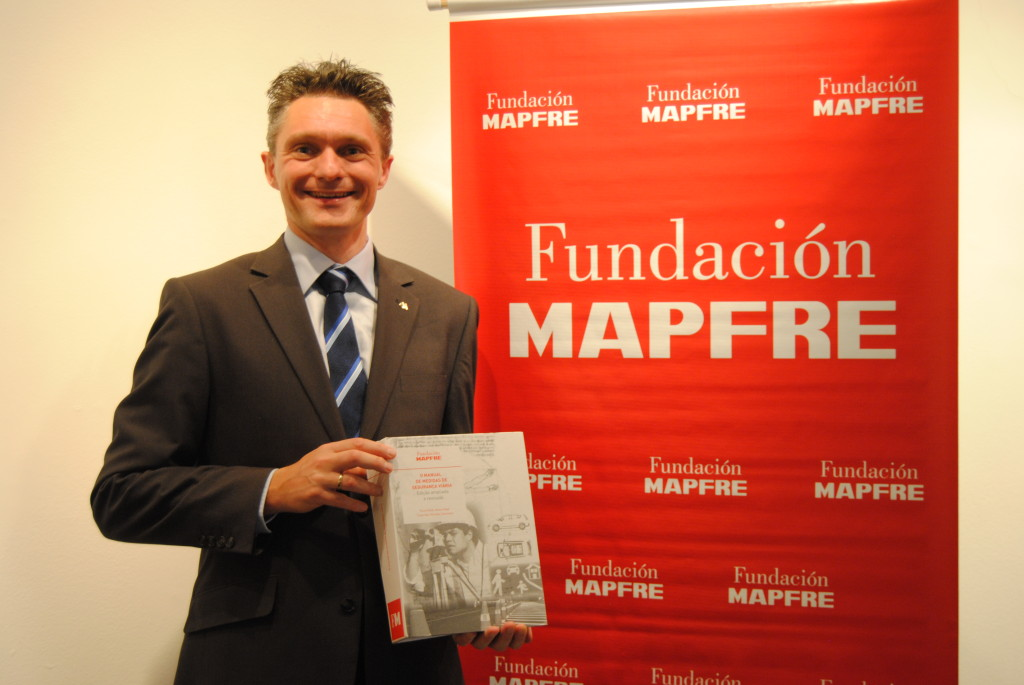 Michael W.J. Sørensen presented the Portuguese version of the handbook at the seminar in Brazil. Photo: TØI