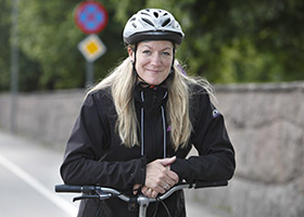 Anna Niska with a bike