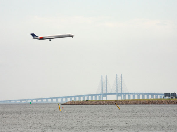 An aeroplane near the Öresund Brige.